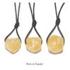 7780-pendentif-calcite-jaune-brute-avec-cordon