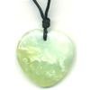 6832-collier-jade-de-chine-en-coeur-bombe-40mm