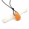 Pendentif-sélénite-orange-avec-cordon-2