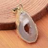 Pendentif-Agate-naturelle-en-tranche-et-laiton-doré-1