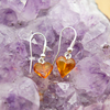 Boucles-doreilles-pendante-ambre-en-forme-de-coeur-1