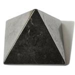pyramide en Shungite plus ou moins 50 x 50 mm