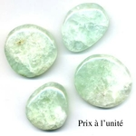 5822-prehnite-en-pierre-plate