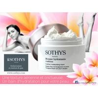 Mousse hydratante cushion Sothys - Evasion Fleur de frangipanier et Prune : Hydratant léger et sensoriel aux notes florales exotiques