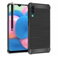 """Samsung Galaxy A30S 6.4"""" SM-A307F A307FN A307G A307GN A307GT A307YN [Les Dimensions EXACTES du telephone: 158.5 x 74.7 x 7.8 mm]: Coque Housse Silicone Souple en Fibre de Carbone Brossé motif TPU Case + Stylet - NOIR"""
