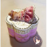 Boîte à dents de lait ou à dragées en forme de fleur bébé fille - au coeur des arts