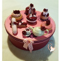 Boîte à biscuits ou gâteaux bordeaux et rose - au coeur des arts