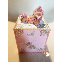 Tirelire bébé fille rose au coeur des arts