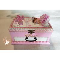 26B-au-coeur-des-arts-Boite à musique bébé fille