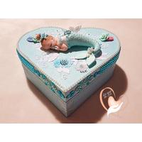 Boîte de naissance bébé sirène fille bleue et blanche - au cœur de arts