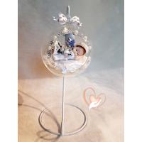 Bébé fille dans sa bulle - au cœur des arts