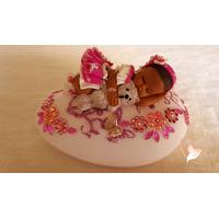 Veilleuse galet lumineux bébé fille et son lapin - au coeur des arts