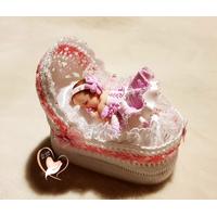 Couffin boite à dragées en coton crocheté à la main bébé fille- au coeur des arts