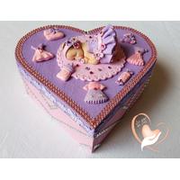 Boîte de naissance parme et rose