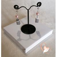 Boucles d'oreille rose et gris argent- au coeur des arts
