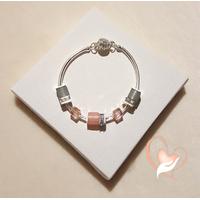 Bracelet élégance Rose pâle et gris argent- au coeur des arts