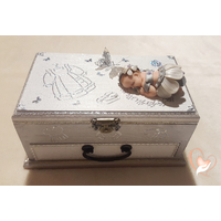 Boîte à musique bébé fille grise et blanche - au coeur des arts