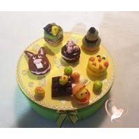 32B-Boîte à biscuits ou chocolats - au coeur des arts