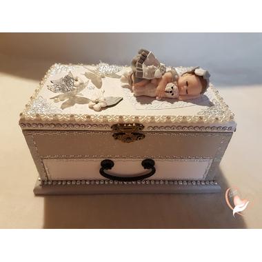 12B-au-coeur-des-arts-Boite à musique bébé fille