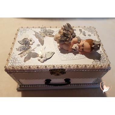 14-au-coeur-des-arts-Boite à musique bébé fille
