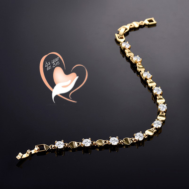 103- au coeur des arts-bracelet plaqué or avec zircon et anneaux creux