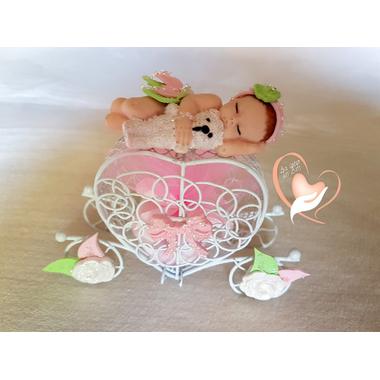 8-au coeur des arts-bonbonniere-boite a dragees-Bébé fille et son ours