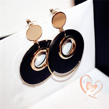 71-au coeur des arts-boubles oreille-style chanel-plaque-or