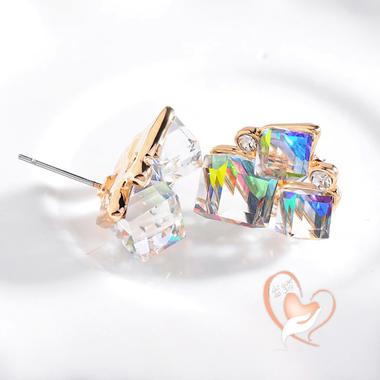 73-au coeur des arts-boucles d'oreille 3 cubes cristal plaque or