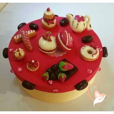 boite gateaux fraise logo
