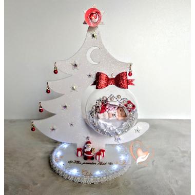 CTS1A-au coeur des arts-Centre de table de Noël Sapin lumineux boule de Noël à led sur socle en bois bebe fille