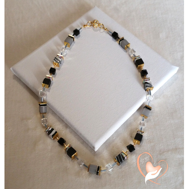 46-Collier Kenya plaqué or- au coeur des arts