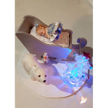 3-Bébé Reine des neiges dans son traineau - au coeur des arts