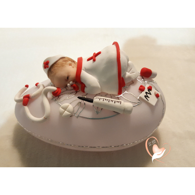 56-Veilleuse galet lumineux bébé fille Infirmière - au coeur des arts