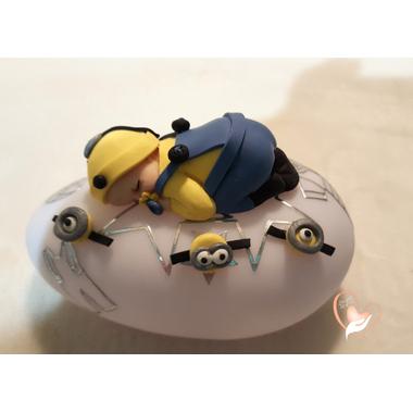58-Veilleuse galet lumineux bébé garçon minion- au coeur des arts