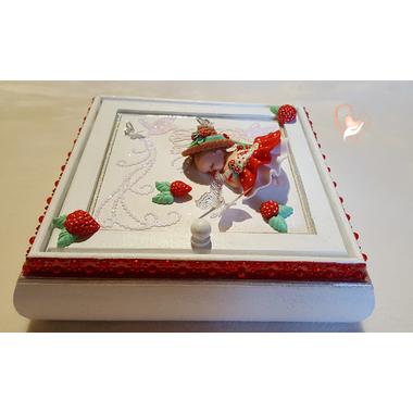 1-Boîte à trésors rouge et blanche- au coeur des arts