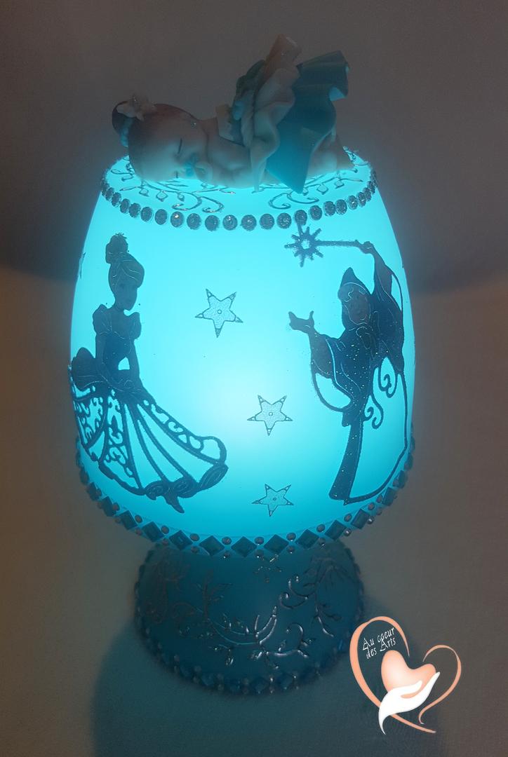 Lampe De Chevet Bébé Fille : veilleuse lampe de chevet b b fille cendrillon au coeur des arts enfants au coeur des arts ~ Teatrodelosmanantiales.com Idées de Décoration