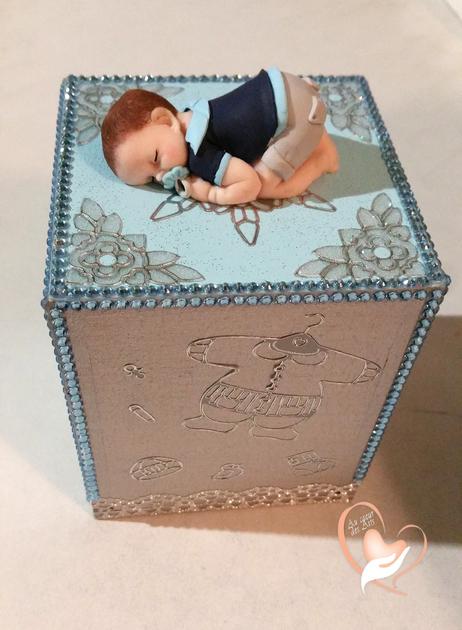 Tirelire bébé garçon bleu ciel et gris- au coeur des arts - Enfants ...