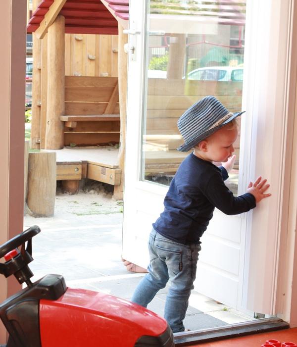 finger alert 180 195 cm porte protection des doigts bandes de protection pour porte. Black Bedroom Furniture Sets. Home Design Ideas