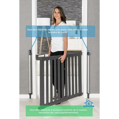 barriere-de-sécurité-enfant-design-nomade-et-devant-encadrement_YAPA-PA-024