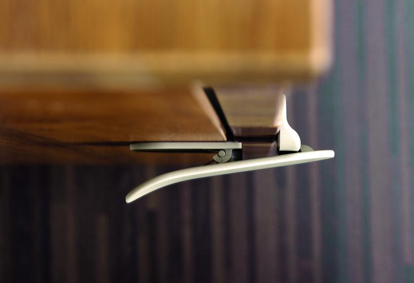 verrou designline pour appareil m nager taupe protection cuisine protection autres. Black Bedroom Furniture Sets. Home Design Ideas