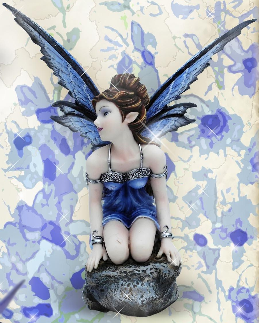 Figurine Fée Branawen (H16 x L9cm)