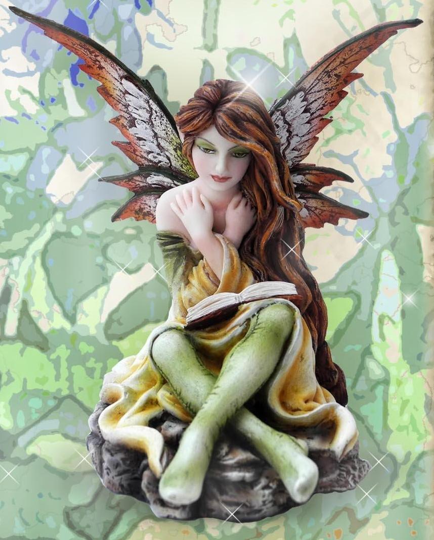 Figurine Fée Ciarra (H16 x L9cm)