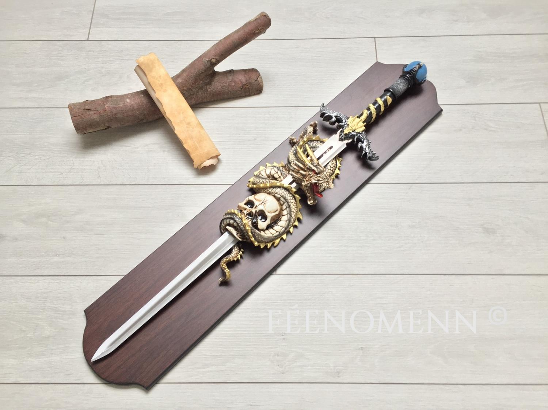 Epée Dragon et tête de mort