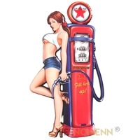Déco Murale Vintage en Métal - Pompe à Essence Pin up Fantasy Cartoon - Gasoline (82x45cm)