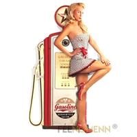 Déco Murale Vintage en Métal - Pompe à Essence Pin up Blonde - Gasoline (85x55cm)
