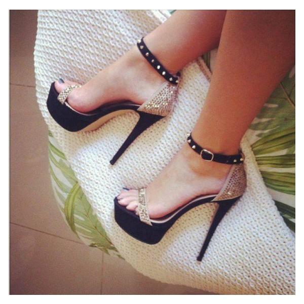 Sandales pailletées Ivoire à talon, bride déco Spike