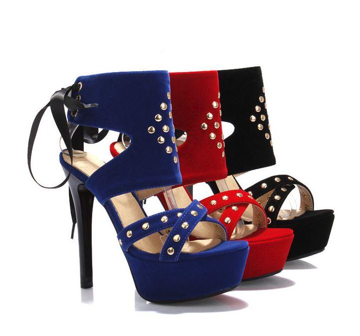 Chaussures à plateforme et talon aiguille, ornement rivets et ruban - Bleu, Noir ou Rouge