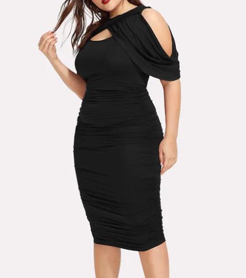 Robe noire plissée aux épaules dénudées - Grandes tailles