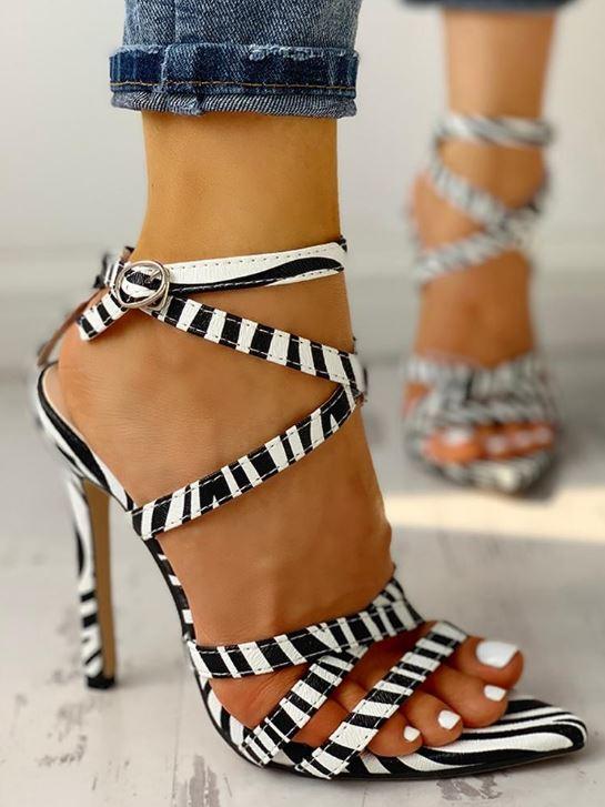 Chaussures à fines brides croisées à imprimé zèbre