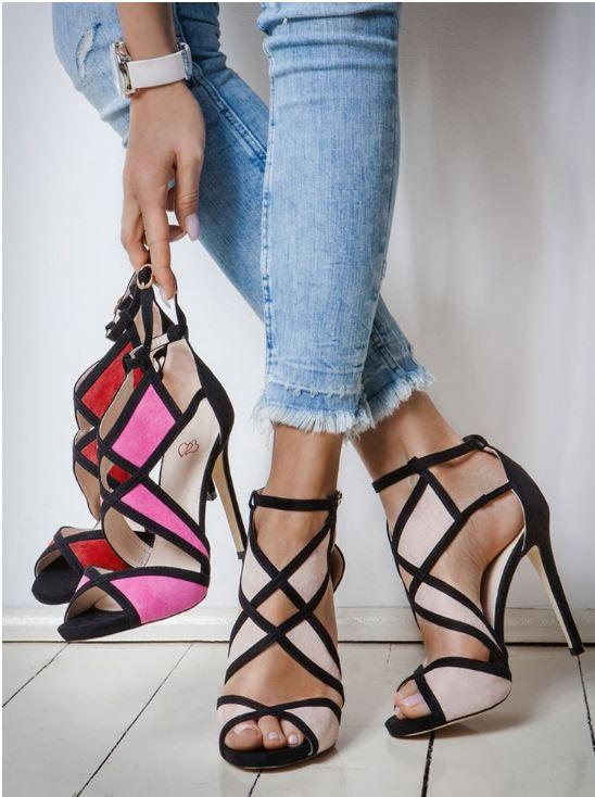 Chaussures à talon et à bandes de couleur contrastée